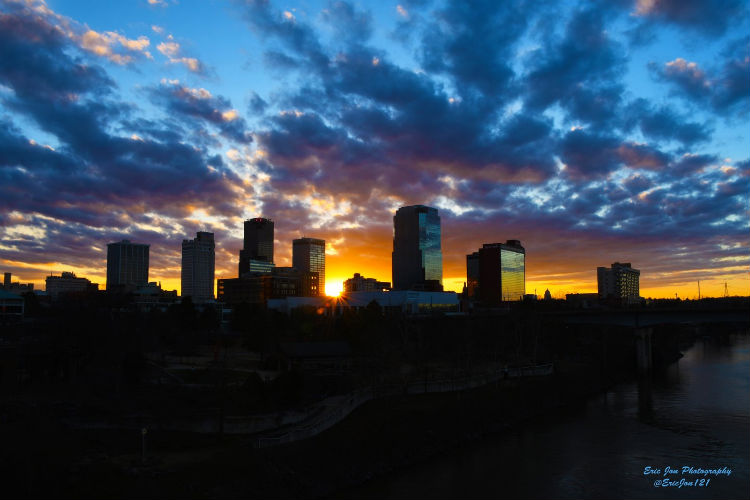https://www.littlerock.com/images/default-source/blogs/little-rock-skyline-sunburst-pc_eric-nicholson.jpg?sfvrsn=3e119db6_0