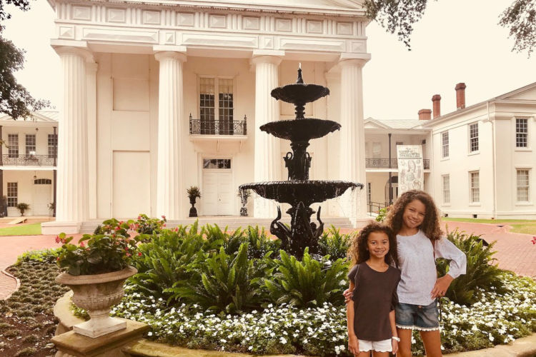 https://www.littlerock.com/images/default-source/blogs/old-state-house-museum-girls-standing-by-the-fountain-750x5605809fc3a347467b5b1afff0000730e39.jpg?sfvrsn=9a7d9bb6_0