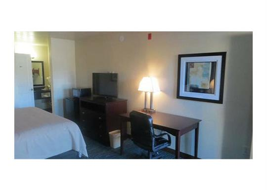 Garden Inn-single room 1-560x400