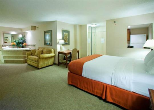 Holiday Inn Presidential_presidential suite-560x400